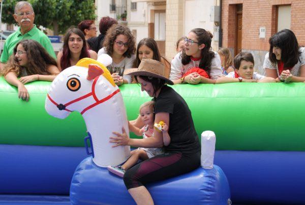 Toros y caballos hinchables gigantes